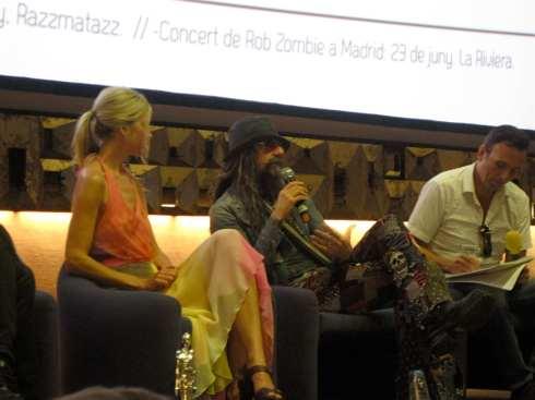 Sessió de preguntes i respostes entre el públic i el matrimoni Zombie
